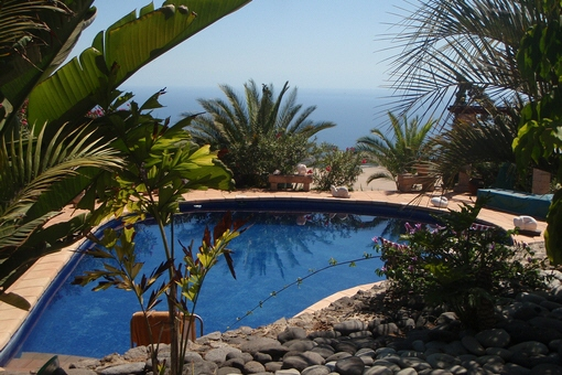 The pool and fantastic views of the sea