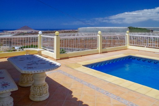 Views of the pool area