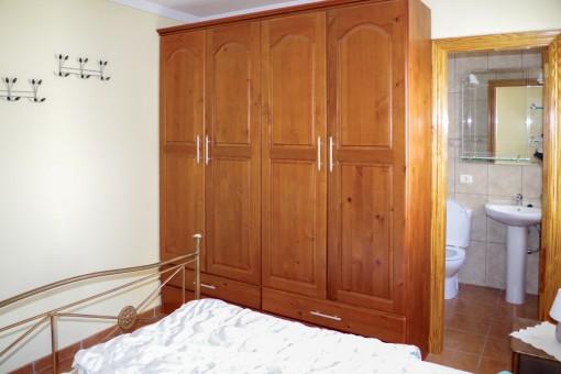 The master bedroom has a bathroom en suite