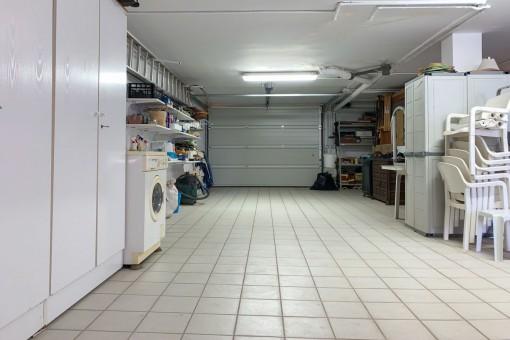 Practical garage and storage room