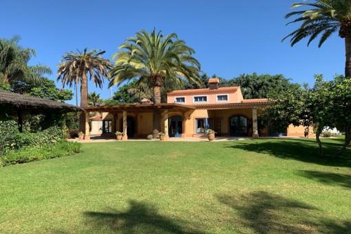villa in Arona for sale