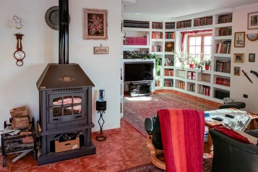 The villa has a fireplace
