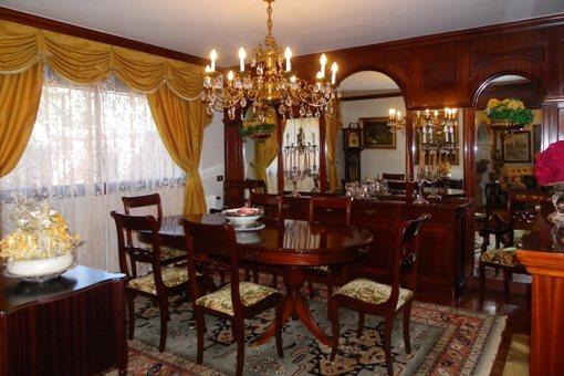 Dining Room of mahogany