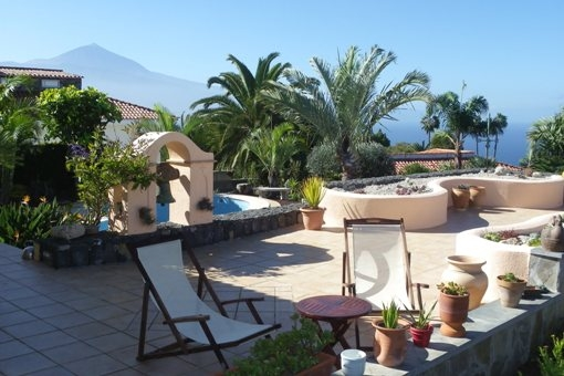 High quality villa with intelligent design, Teide and sea views