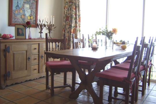 Dining room with panoramic windows