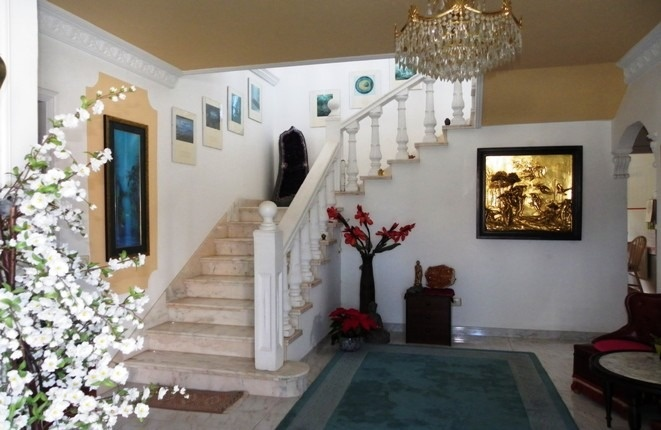 The marble staircase to the bedrooms
