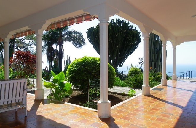 Unique classic villa with large garden in 1a...