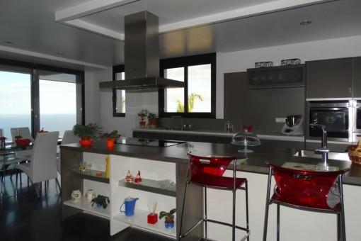 Big, modern kitchen