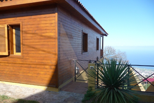 Harmonious wooden house with panoramic views to the sea and over the Orotava Valley