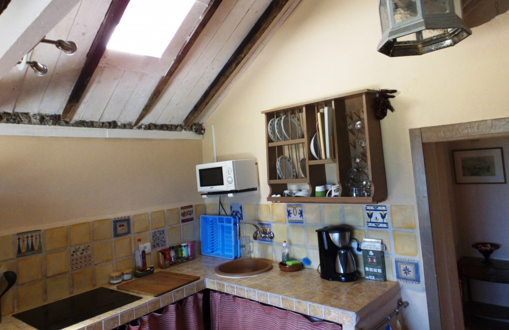 Fully equipped kitchen apartment 2