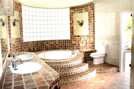 Badezimmer Jacuzzi – edgetags.info