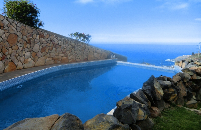 Large pool with fantastic sea view