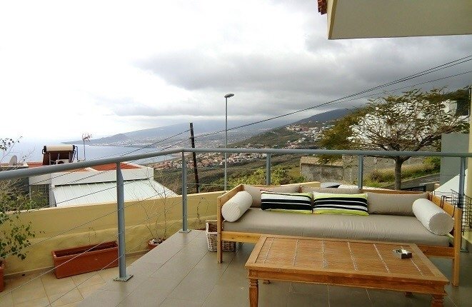 Tabaiba: Beautiful house with magnificent views of the sea.