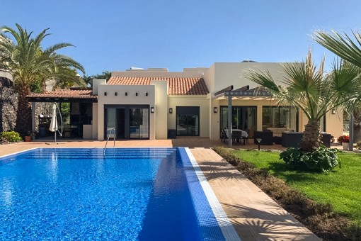 villa in Playa de Santiago