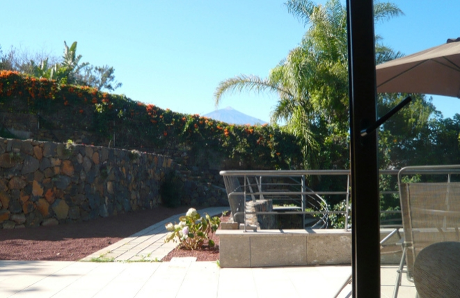 Terrace in front of the guest house with Teide view