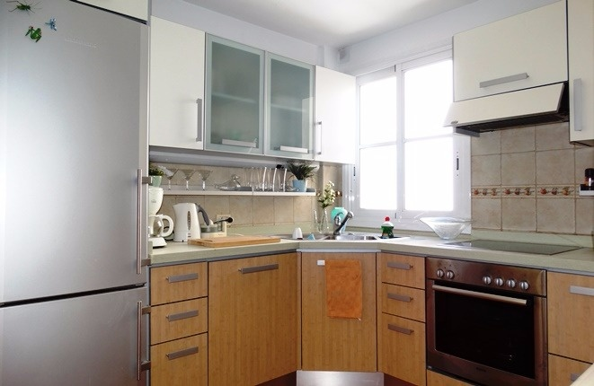 The clean, modern kitchen