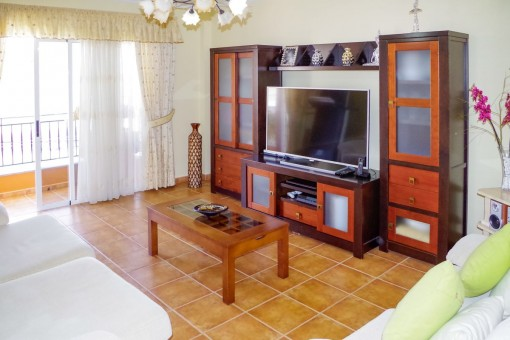 Well Maintained Apartment With 3 Bedrooms In A Canarian House In
