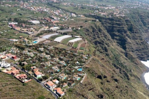 Plot for a luxury villa on Tenerife directly on the Atlantic Ocean