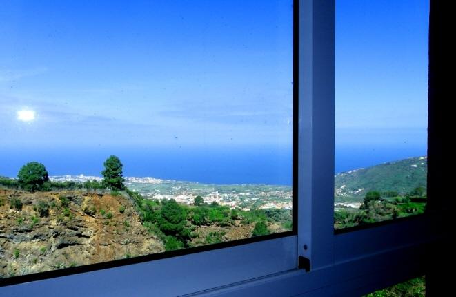 Views of Puerto de la Cruz and the Orotava Valley
