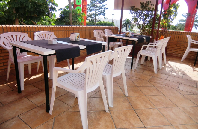 Great opportunity: Bar/Restaurant with a large terrace for at least 50 seats in Costa Adeje